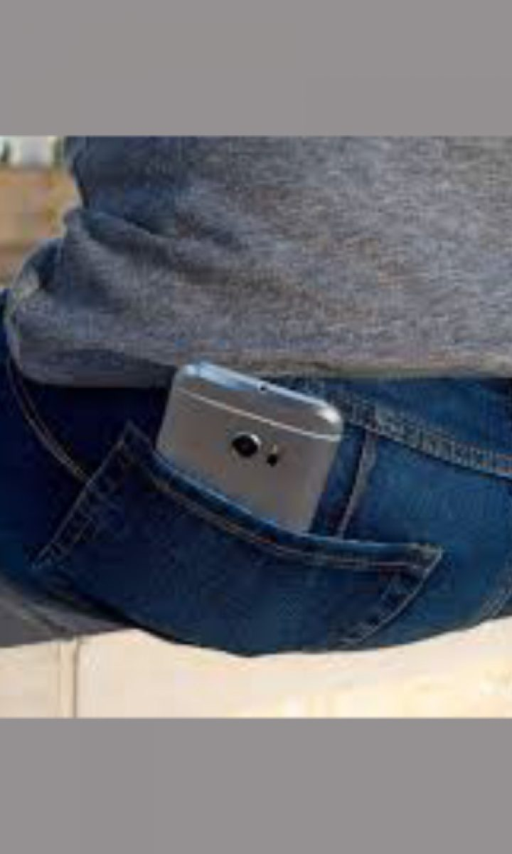 carrying large gadgets n pockets pic_4